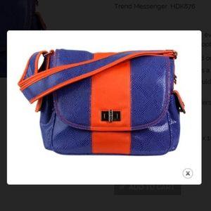 Hadaki  Trend messanger handbag